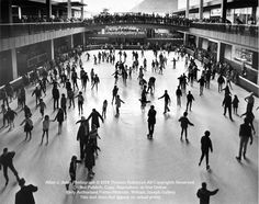 Lloyd Center Rink BW